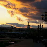 Облака над городом :: Владимир Максимов