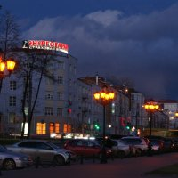 Будут людям светить фонари :: Владимир Максимов