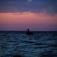 Рыбак и море. :: Анастасия Махова
