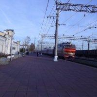 прибытие на станцию Тихвин :: Сергей Кочнев