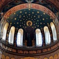 Под святыми куполами. :: Наталья Юрова