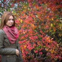 Прогулка в осеннем парке :: Юлия Редель