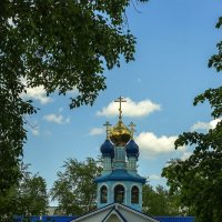 Небольшая  церковь в нашем микрорайоне. :: Валерий Молоток