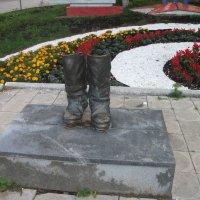 Памятник солдатским сапогам :: Равиль Альмухаметов