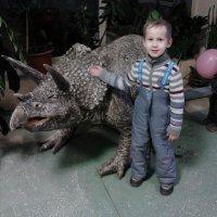 Динозаврик друг человека. :: Равиль Альмухаметов