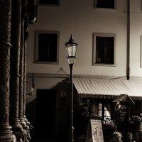 Одинокий фонарь :: Андрей Кириченко