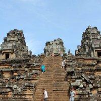 Камбоджа. Ангкор-Ват. К вершине храма :: Владимир Шибинский
