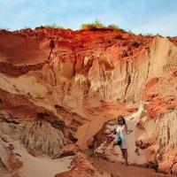 Red Dune and Beauty Women :: Igor Nekrasov