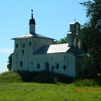 Старинная церковь Избрск :: игорь Гр
