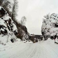 Каменные ворота :: юрий Амосов