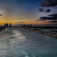 Уходим из Маями :: Яков Геллер