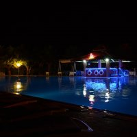Ночной бассейн :: Denis Denis