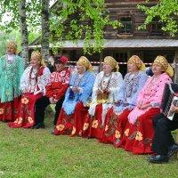 На празднике фольклора и ремесел в Витославлицах :: Константин Жирнов