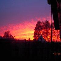 Ярко-алый закат :: Евгения Гаврилова