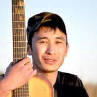 с гитарой :: Баттал Омаров