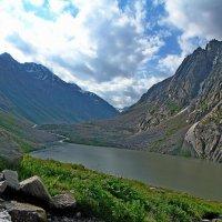 Озеро, приток, h ~ 3200 :: Виктор Осипчук