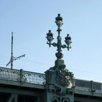 Фонарь на Троицком мосту :: Алексей Кудрявцев
