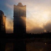 Рассвет в городе :: Александр Елисеев