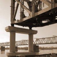 Памятник мосту :: Виталий Иванов