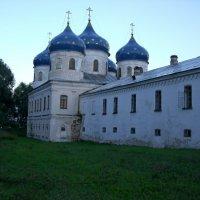 Монастырь. :: Лариса Борисова