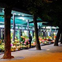 Ночной базарчик :: Andrey Spizhavka