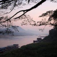 Sunrise. Luang Prabang, Laos :: Eva Langue