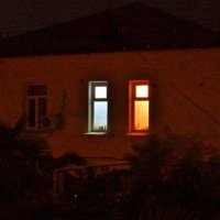 Одинокие ночные окна :: Владимир Саркисян