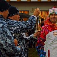 Олимпийский огонь в Санкт Петербурге :: Валентина Потулова