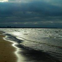 Вечер у моря. Ветрено :: Юрий Цыплятников