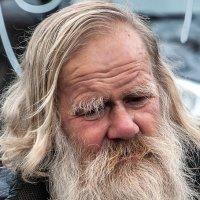 Он ответил:- я просто дед! :: Александр Шмалёв