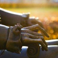 Руки Петра... :: Андрей Илларионов
