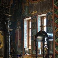 Утро в храме :: Александр Пушкарёв