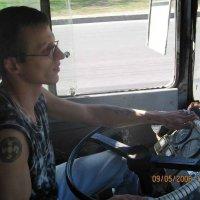 Мой друг - водитель троллейбуса :: Владимир Варивода