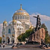 Морской собор и памятник адмиралу Макарову :: Надежда Лаптева