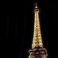 Эйфелева башня в огнях :: Михаил Малец