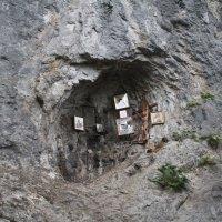 Место обретения Главы святого Иоанна Крестителя. Абхазия. с.Каманы, недалеко от Сухуми. :: Олег Фролов