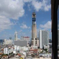 Бангкок, вид направо из окна моего номера :: Владимир Шибинский