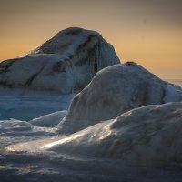 Зимние камни у берегов Охотского моря!!! :: Михаил Кузнецов