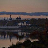 Вид на Соборное дворище. Вечер. :: Дмитрий Гришечко