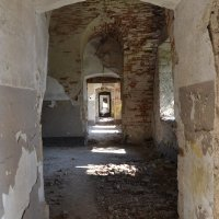 заброшенная крепость. строению 800 лет :: Elenn S