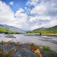 Осенняя река Шахе :: Алена Бадамшина