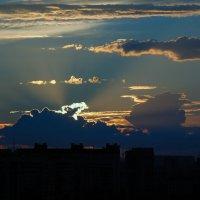 Закат в городе :: Игорь Шипов