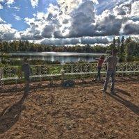 Осень в парке 7 :: Александр Бритшев