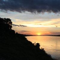 Северо-восточный Таиланд, закат на реке Меконг :: Владимир Шибинский