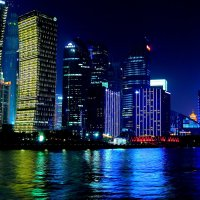 Мегаполис. Ночью  на речке.... :: Cергей Павлович