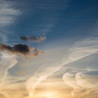 Перистые облака на закате :: Валерий Смирнов