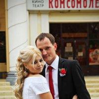 Свидание у кинотеатра :: Ира Еникеева