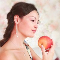 girl with apple :: Galina Shatokhina