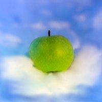 Воздушное яблочко :: Денис Антонов