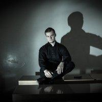 На темной стороне :: Дмитрий Долгов
